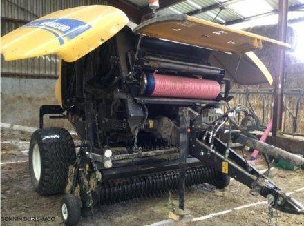 Rundballenpresse a típus New Holland ROLL-BELT 150, Gebrauchtmaschine ekkor: RIVARENNES (Kép 3)