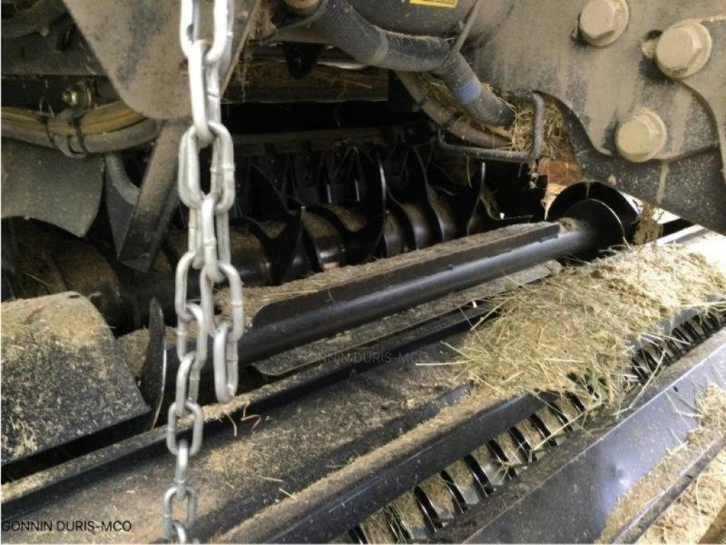 Rundballenpresse a típus New Holland ROLL-BELT 150, Gebrauchtmaschine ekkor: RIVARENNES (Kép 5)