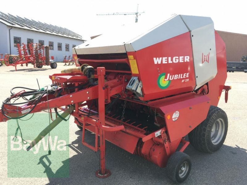 Rundballenpresse des Typs Welger Jubilee RP 220, Gebrauchtmaschine in Obertraubling (Bild 2)