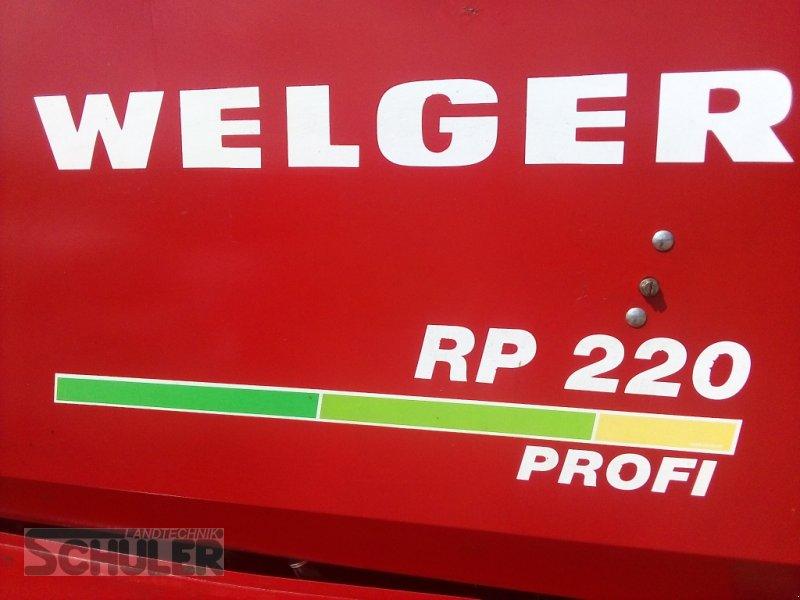 Rundballenpresse des Typs Welger RP 220 Profi, Gebrauchtmaschine in St. Märgen (Bild 1)