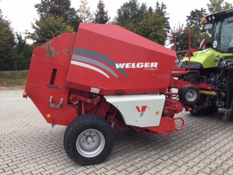 Rundballenpresse des Typs Welger RP 235, Gebrauchtmaschine in Töging a. Inn (Bild 1)
