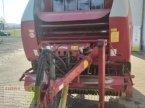 Rundballenpresse des Typs Welger RP 520 in Aurach