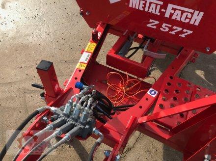 Rundballenwickelgerät des Typs Metal-Fach Z577, Neumaschine in Tiefenbach (Bild 5)