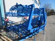 Saatbettkombination/Eggenkombination des Typs Lemken Korund 8/600 in Markt Schwaben