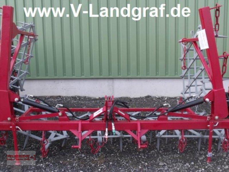 Saatbettkombination/Eggenkombination des Typs POM Ackeregge, Neumaschine in Ostheim/Rhön (Bild 1)