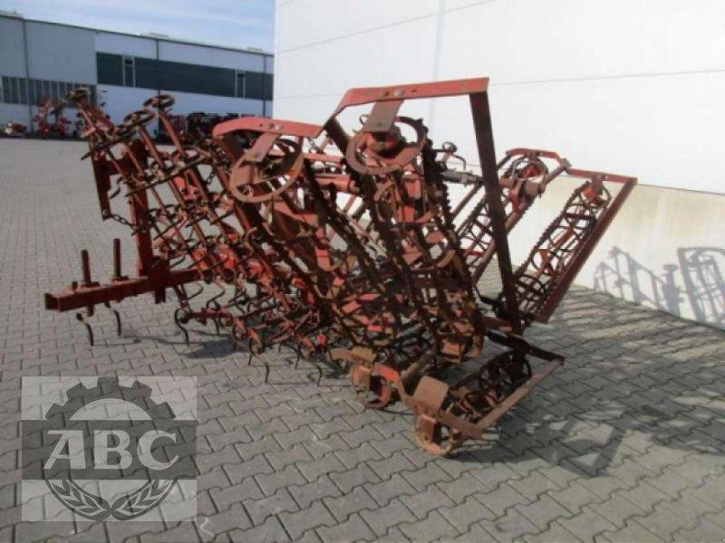 Saatbettkombination/Eggenkombination des Typs Rau OUV, Gebrauchtmaschine in Cloppenburg (Bild 1)