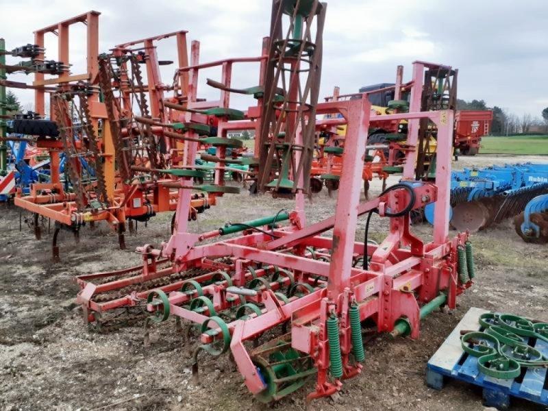 Saatbettkombination/Eggenkombination des Typs Unia 5m, Gebrauchtmaschine in Bray En Val (Bild 1)