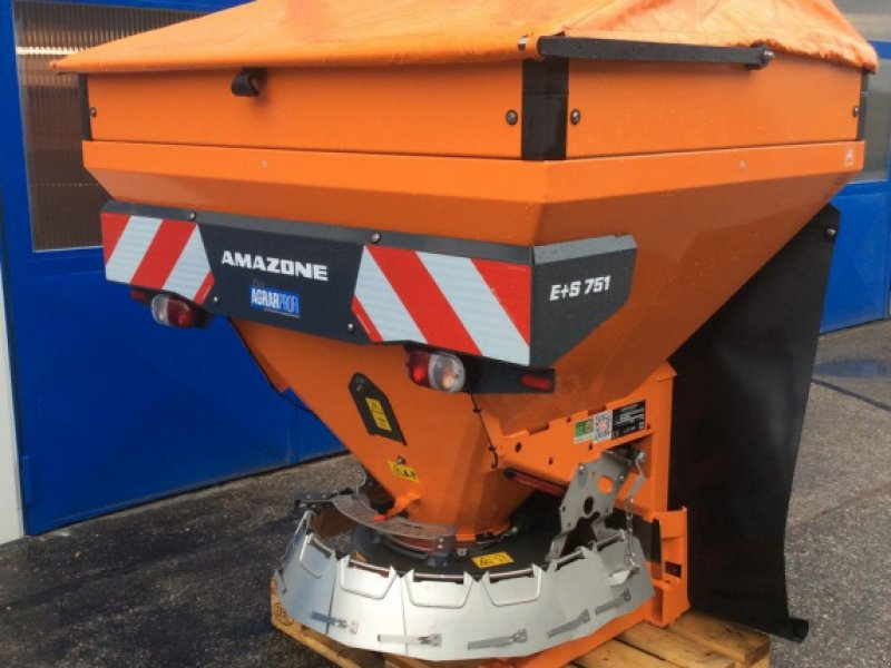 Sandstreuer & Salzstreuer des Typs Amazone Winterdienststreuer E+S 751 Geschwindigkeitsteue, Neumaschine in Altenfelden (Bild 1)