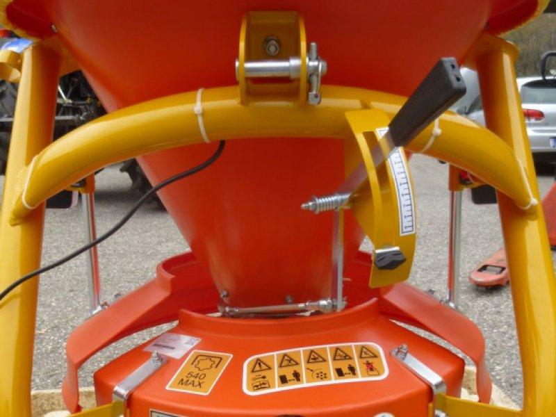 Sandstreuer & Salzstreuer tip INO Universal Split-/Salz-/Düngerstreuer 120 lt., Neumaschine in Ebensee (Poză 6)