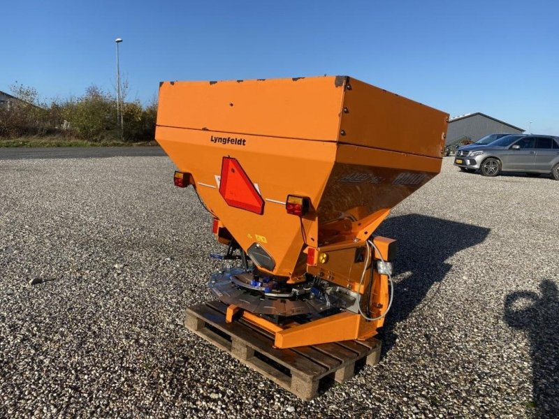 Sandstreuer & Salzstreuer tip Rauch AXERO 18.1, Gebrauchtmaschine in Hadsten (Poză 1)