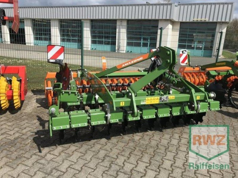 Scheibenegge des Typs Amazone Catros 3003 Special, Neumaschine in Friedberg (Bild 1)