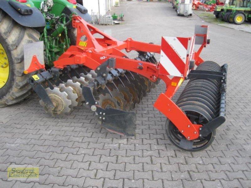 Scheibenegge des Typs Kuhn Optimer+ 303, Neumaschine in Marsberg-Giershagen (Bild 3)
