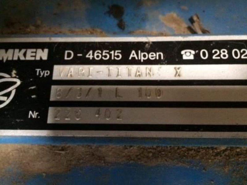 Scheibenpflug des Typs Lemken Vari Titan 10, Gebrauchtmaschine in Київ (Bild 2)