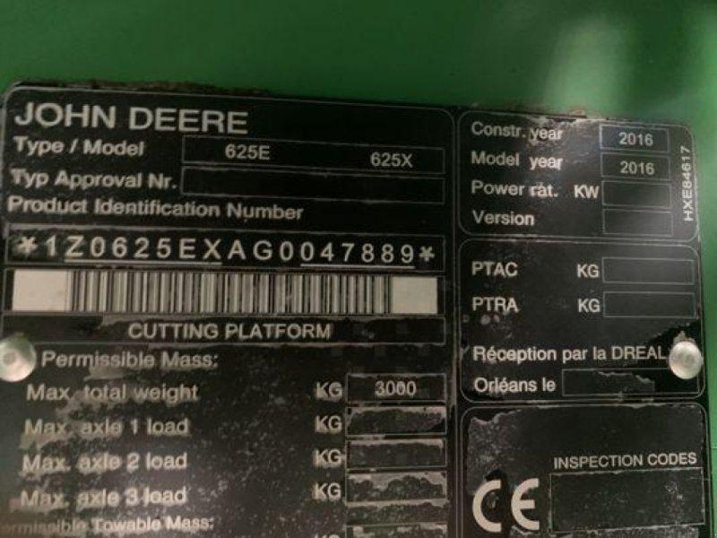 Schneidwerk des Typs John Deere 625X, Gebrauchtmaschine in Sainte-Croix-en-Plaine (Bild 2)