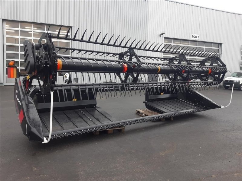 Schneidwerk des Typs Mac Don D 120, Neumaschine in Grimma (Bild 1)