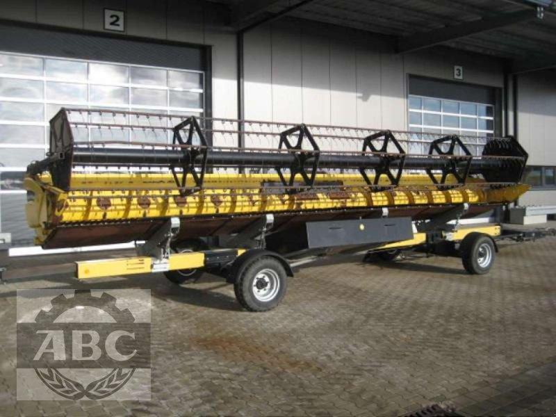 Schneidwerk des Typs New Holland 30 GHEC, Neumaschine in Klein Bünzow (Bild 1)