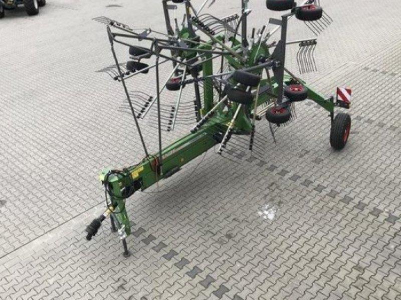 Schwader des Typs Fendt Former 880, Vorführmaschine in Diez (Bild 3)