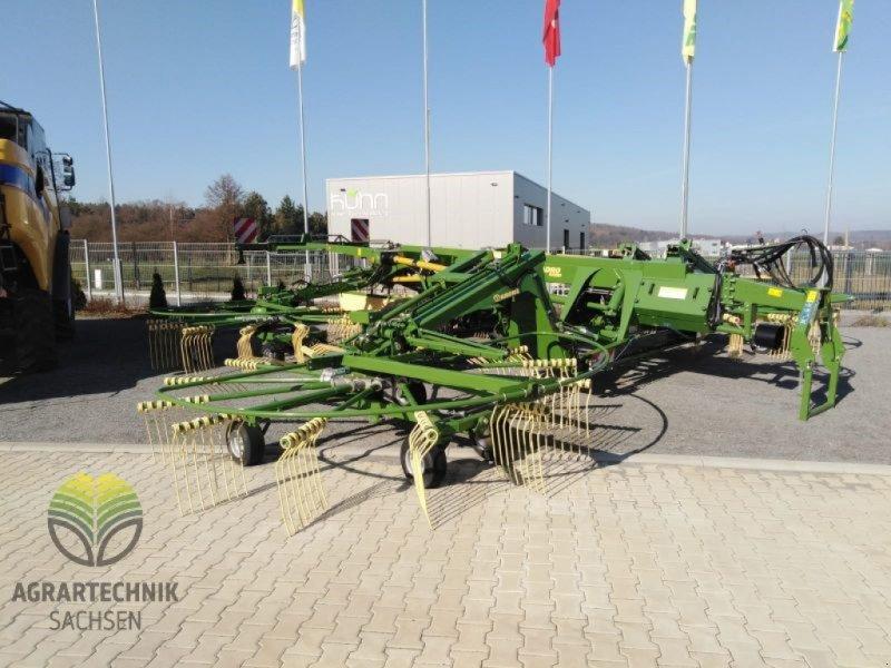 Schwader des Typs Krone Swadro 1400 Plus, Ausstellungsmaschine in Ebersbach (Bild 1)