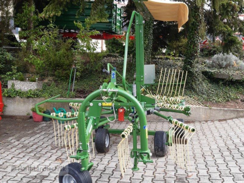 Schwader des Typs Krone Swadro 35, Neumaschine in Ortenburg (Bild 2)