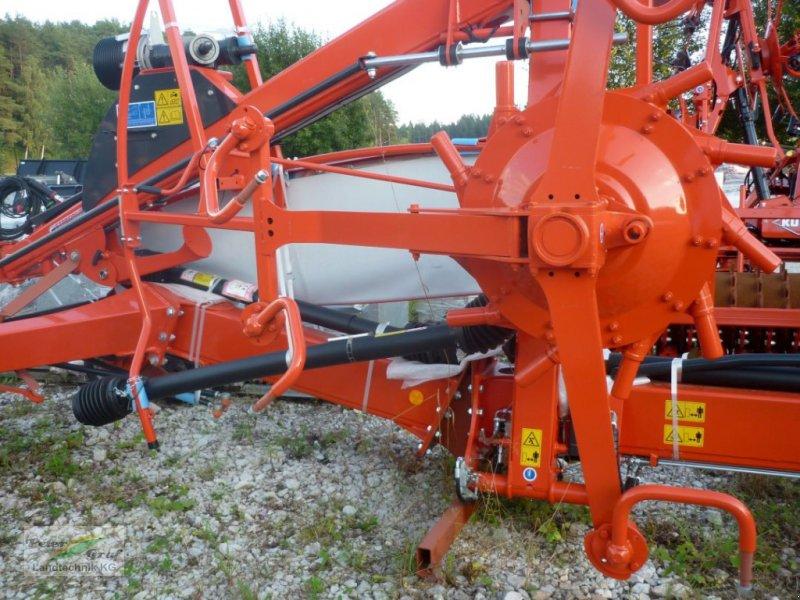 Schwader des Typs Kuhn GA 7530, Neumaschine in Pegnitz-Bronn (Bild 2)