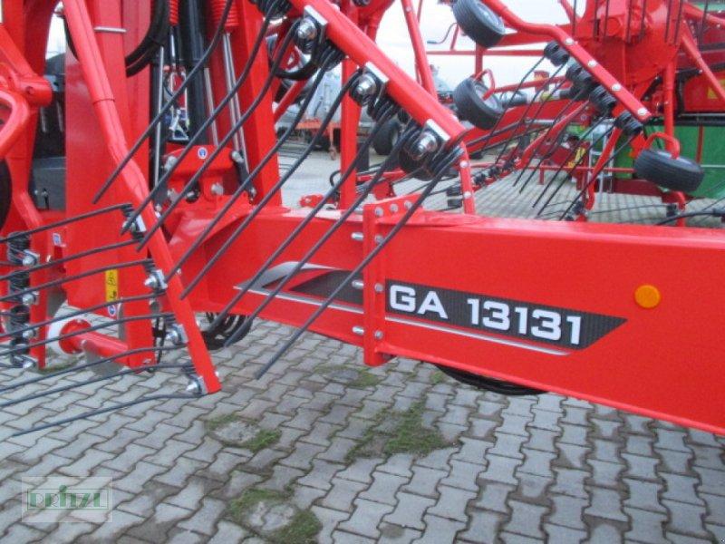 Schwader des Typs Kuhn GA13131, Neumaschine in Bruckmühl (Bild 1)