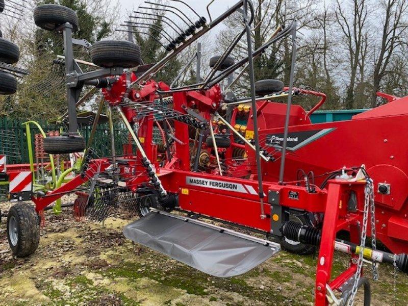 Schwader of the type Massey Ferguson RK 662 TRC, Neumaschine in Grantham (Picture 1)