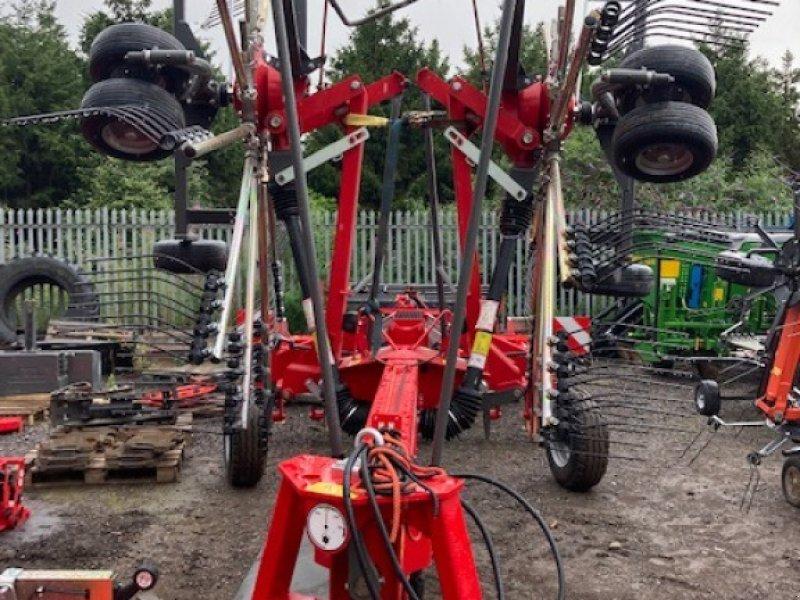 Schwader des Typs Massey Ferguson RK 802 TRC-PRO, Neumaschine in Lutterworth (Bild 1)