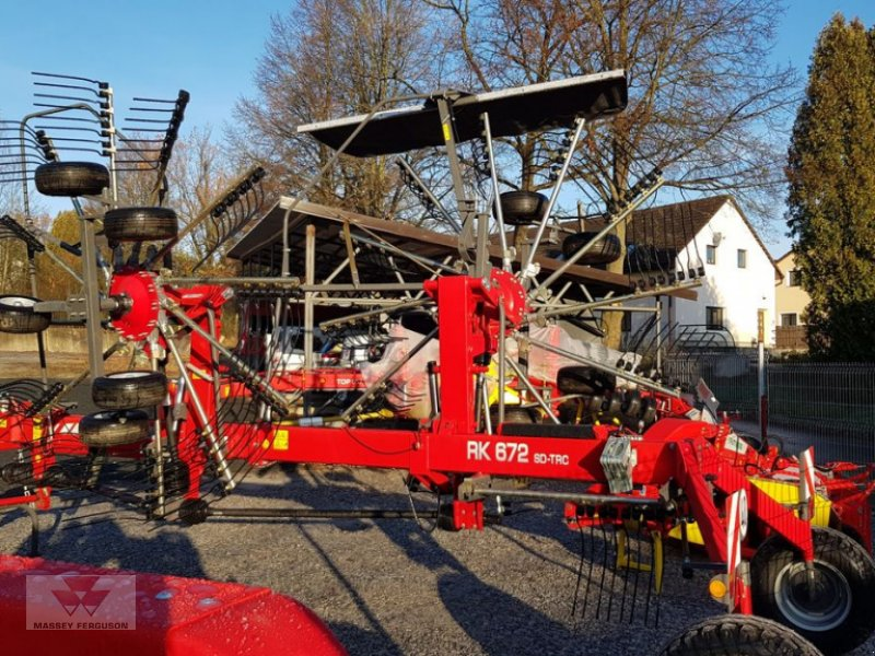 Schwader des Typs Massey Ferguson RK672SD-TRC, Neumaschine in Schwechat (Bild 2)