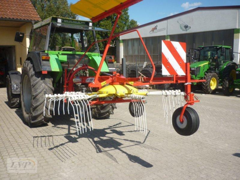 Schwader des Typs Pöttinger Alpintop 300 U, Neumaschine in Pegnitz (Bild 1)