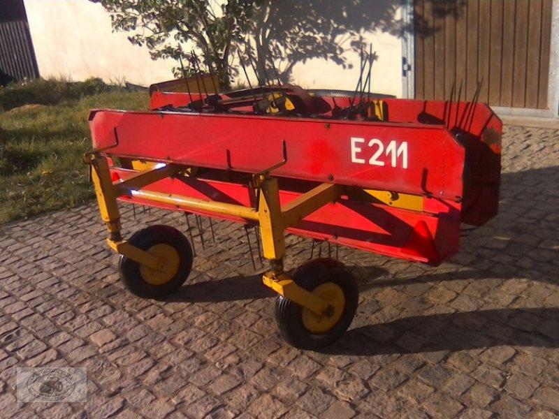 Schwader типа VEB Fahrzeugwerke E211 Bandschwader, Gebrauchtmaschine в Tschirn (Фотография 1)