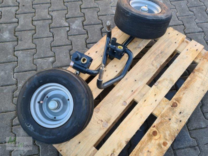 Schwader des Typs Vicon Tandem Fahrwerk, Neumaschine in Markt Schwaben (Bild 1)