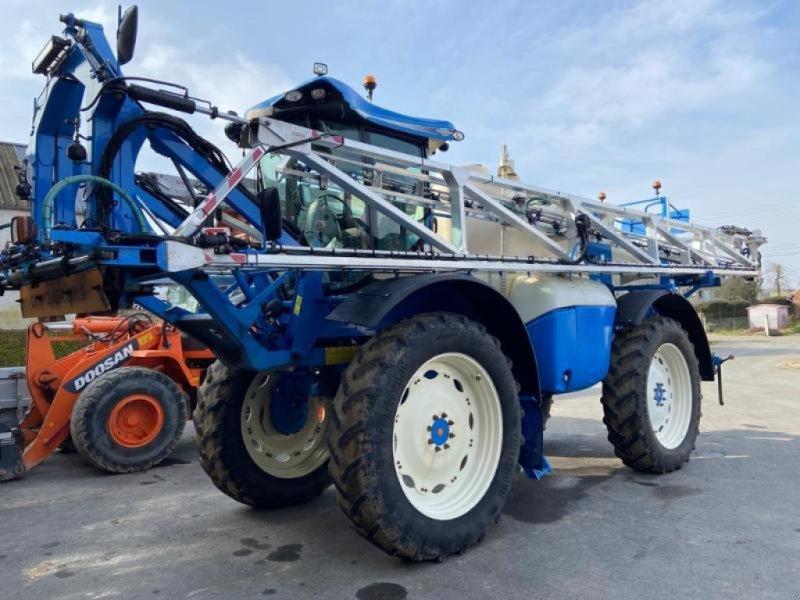 Selbstfahrspritze des Typs Matrot XENON, Gebrauchtmaschine in CHATEAU PORCIEN (Bild 1)