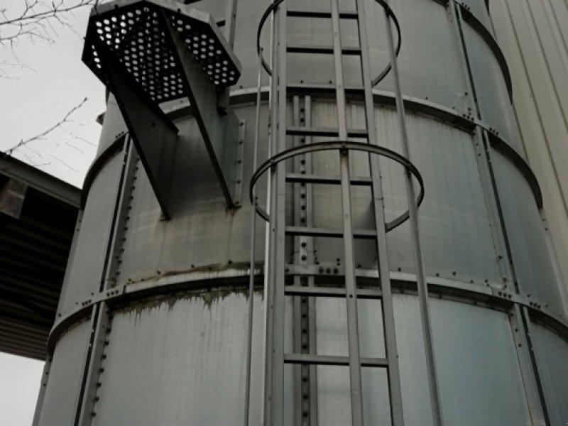 Silo des Typs Gruber Trichtersilos, Gebrauchtmaschine in Hillesheim (Bild 1)