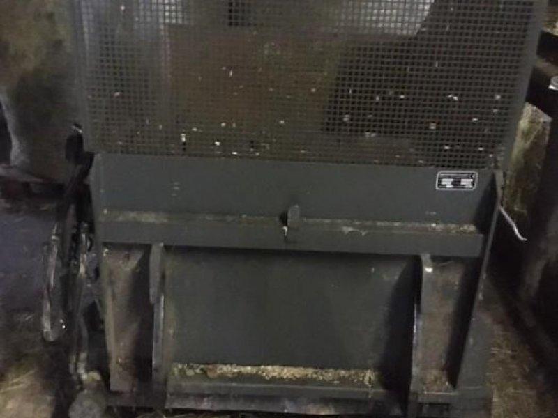 Silokamm des Typs Mehrtens Silageverteilschaufel, Gebrauchtmaschine in Itzehoe (Bild 1)