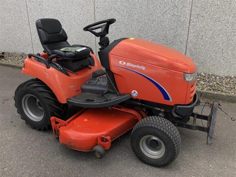 Sitzrasenmäher des Typs Simplicity LEGAZY 24HK DIESEL * MOMSFRI *, Gebrauchtmaschine in Holstebro (Bild 1)