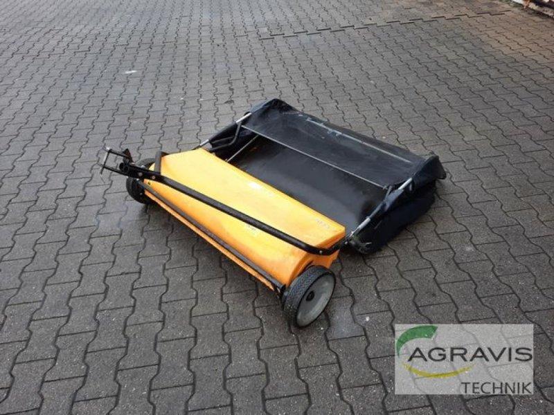 Sonstige Bagger & Lader des Typs Stiga GRAS- UND LAUBKEHRMASCHINE 13-3926-11, Gebrauchtmaschine in Meppen-Versen (Bild 1)