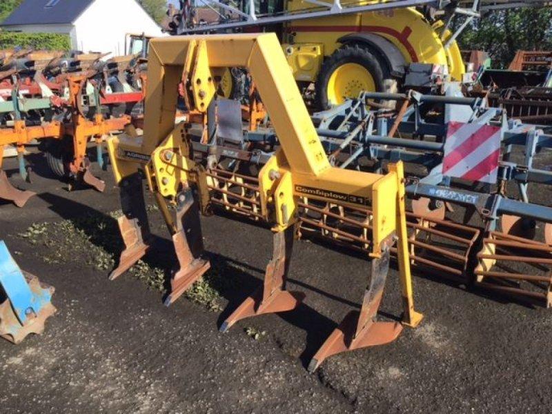 Sonstige Bodenbearbeitungsgeräte типа Agrisem COMBIPLOW31+, Gebrauchtmaschine в les hayons (Фотография 1)