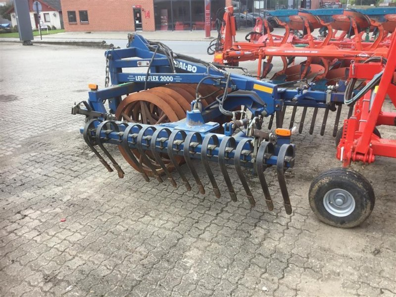 Sonstige Bodenbearbeitungsgeräte типа Dalbo Levelflex 4m m/lamelpl med hydraulisk sammenklap, Gebrauchtmaschine в Bredsten (Фотография 1)