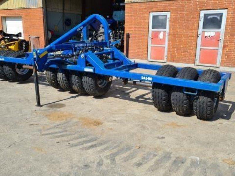Sonstige Bodenbearbeitungsgeräte типа Dalbo LEVELFLEX 600, Gebrauchtmaschine в Ribe (Фотография 1)