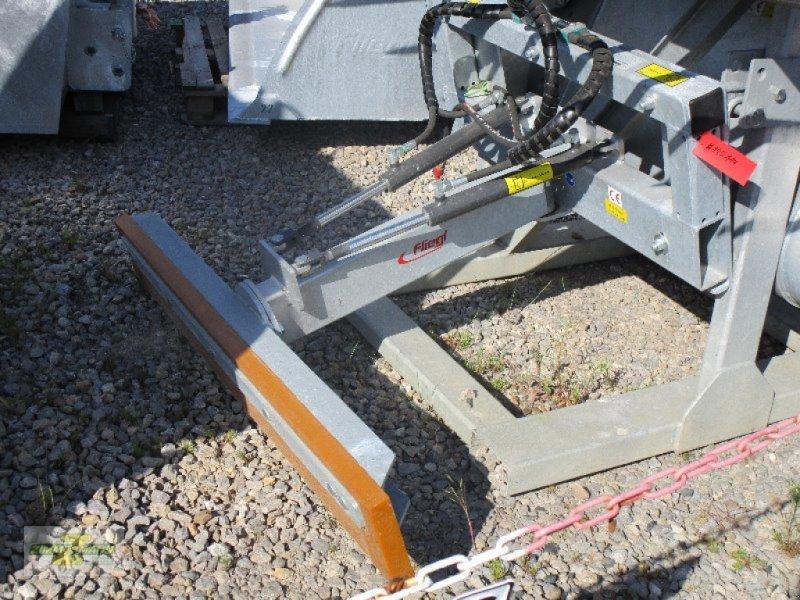 Sonstige Fütterungstechnik типа Fliegl Universal Schiebeschild hydraulisch, Neumaschine в Euskirchen (Фотография 2)