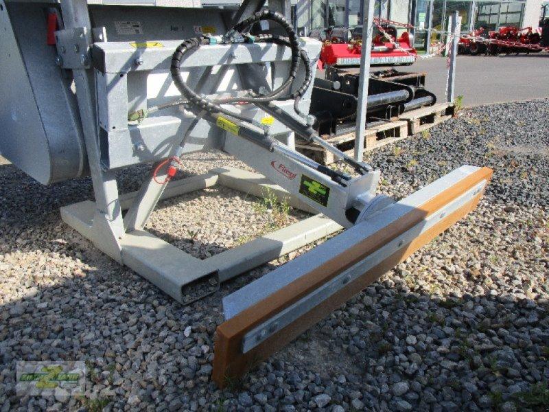 Sonstige Fütterungstechnik типа Fliegl Universal Schiebeschild hydraulisch, Neumaschine в Euskirchen (Фотография 1)