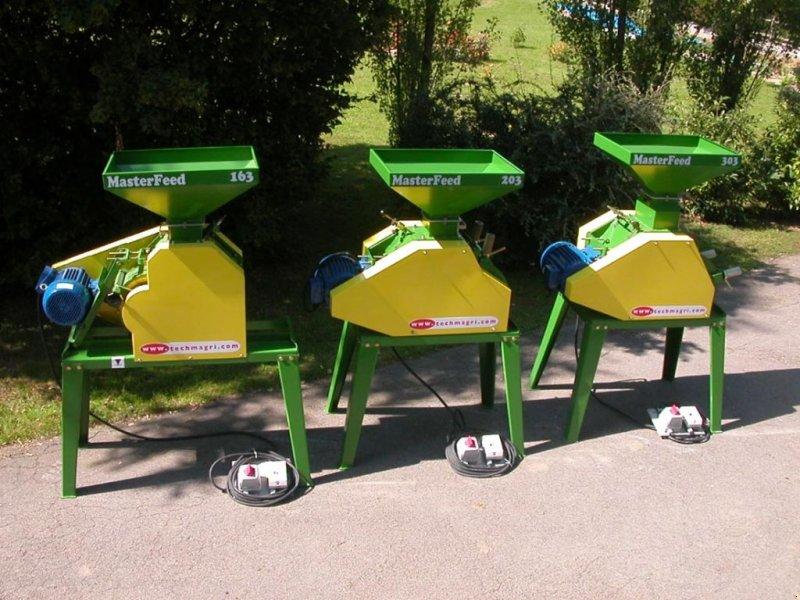 Sonstige Fütterungstechnik типа TECHMAGRI MASTERFEED 3 rouleaux 7.5CV, Gebrauchtmaschine в AMANCE (Фотография 1)