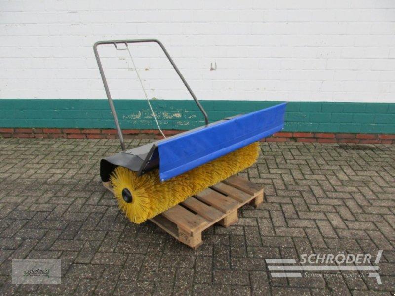 Sonstige Gartentechnik & Kommunaltechnik типа Husqvarna Frontkehrmaschine 1,20 m, Gebrauchtmaschine в Westerstede (Фотография 1)