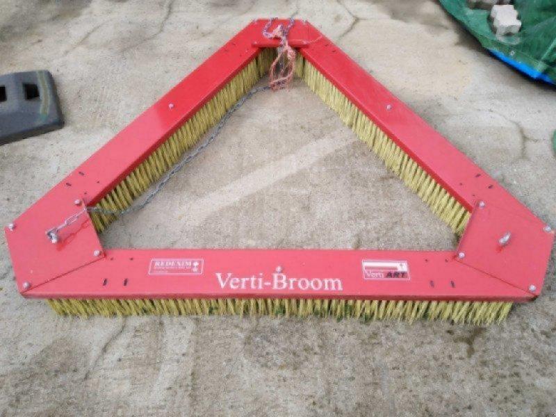Sonstige Gartentechnik & Kommunaltechnik типа Redexim Verti Broom, Gebrauchtmaschine в Gerbrunn (Фотография 1)