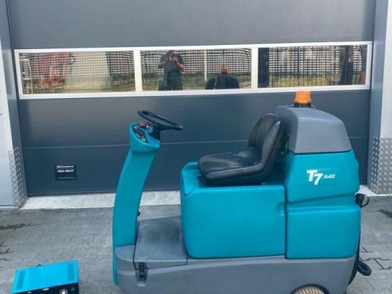 Sonstige Gartentechnik & Kommunaltechnik типа Tennant T 7 schrobmachine, Gebrauchtmaschine в WIJCHEN (Фотография 1)