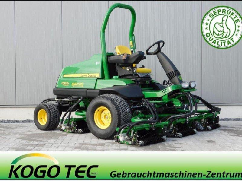 Sonstige Golftechnik a típus John Deere 8700A, Gebrauchtmaschine ekkor: Greven (Kép 1)