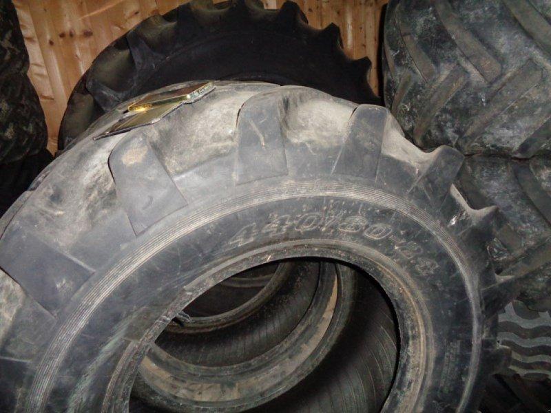 Sonstige Räder & Reifen & Felgen типа Dunlop Dunlop T3 Reifen 440/80 24, Gebrauchtmaschine в Fischingen (Фотография 1)