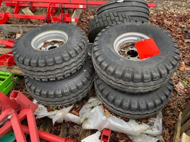 Sonstige Räder & Reifen & Felgen des Typs Miscellaneous Mag 350 Tyres, Neumaschine in Wallingford (Bild 1)