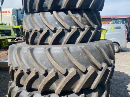Sonstige Traktoren des Typs Mitas 600/70R30 UND 710/70R42, Neumaschine in Arnstorf (Bild 1)