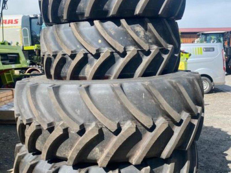 Sonstige Traktoren типа Mitas 600/70R30 UND 710/70R42, Neumaschine в Arnstorf (Фотография 1)